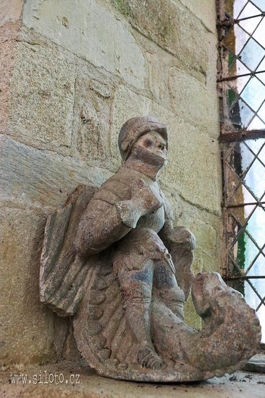 Svatý Michal zabíjí draka