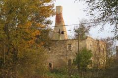 Ruina v obci Poutnov