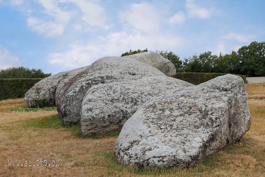 Broken Menhir of Er Grah - Le Grand Menhir Brisé