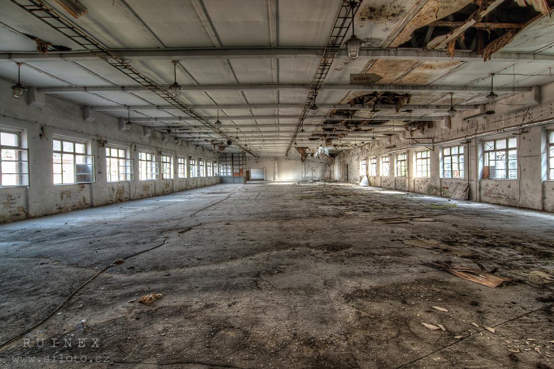 Výrobní haly