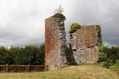 Corlay - zřícenina hradu