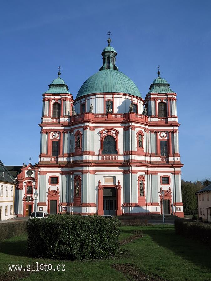 Bazilika [lang=EN]Basilica[/lang]