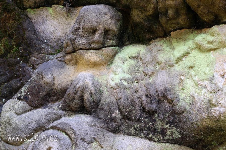 Kamenný oltář [lang=EN]Stone Altar[/lang]