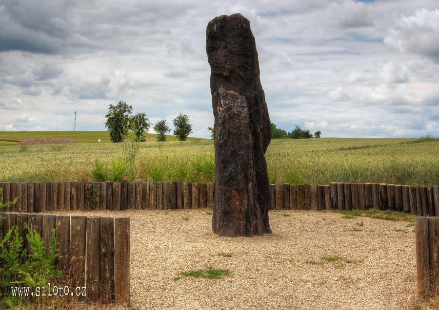 Menhir Zkamenělý pastýř [lang=EN]Menhir Stone Shepherd[/lang
