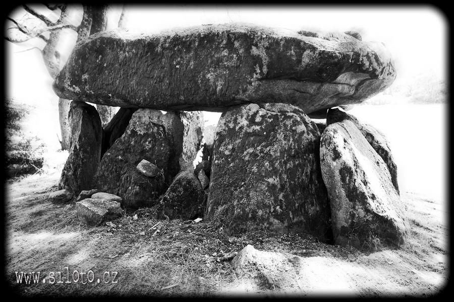 Dolmen de Roch-Feutet